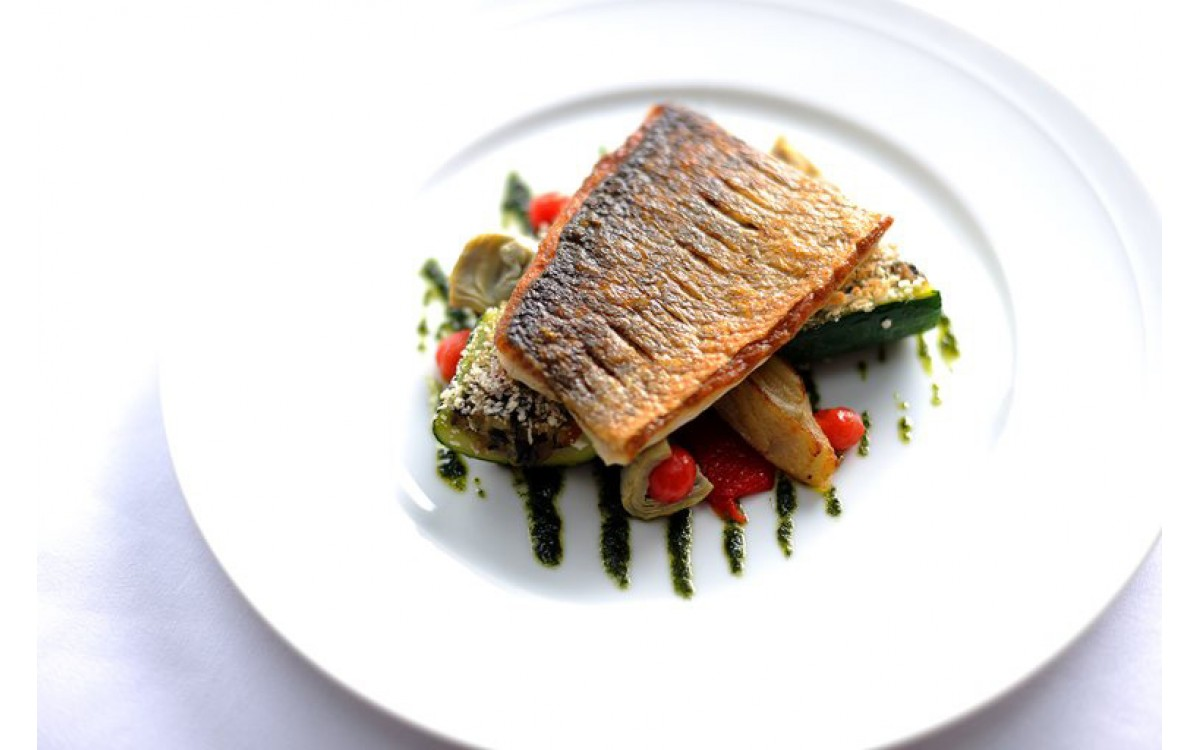 Fillet of sea bass with fresh vegetables