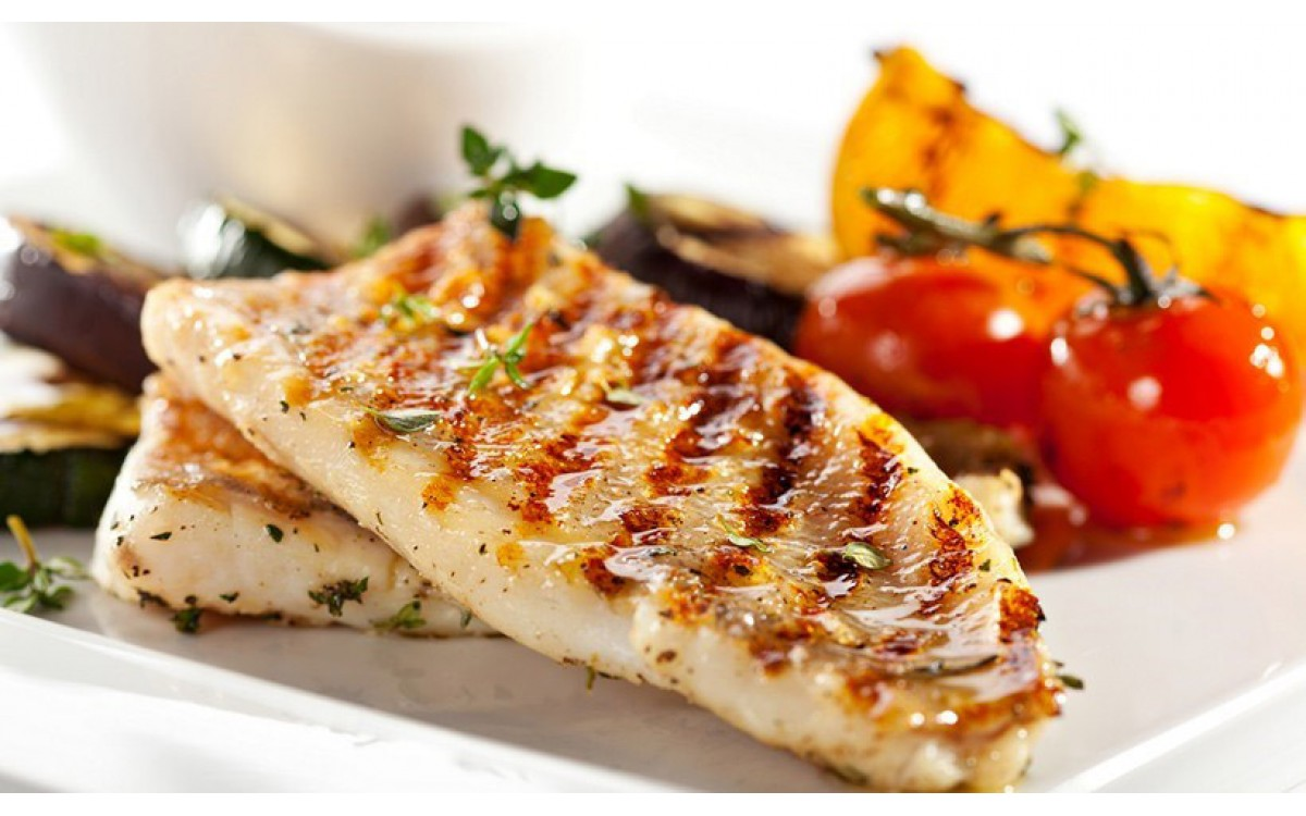 Seabass fillets with spicy sauce