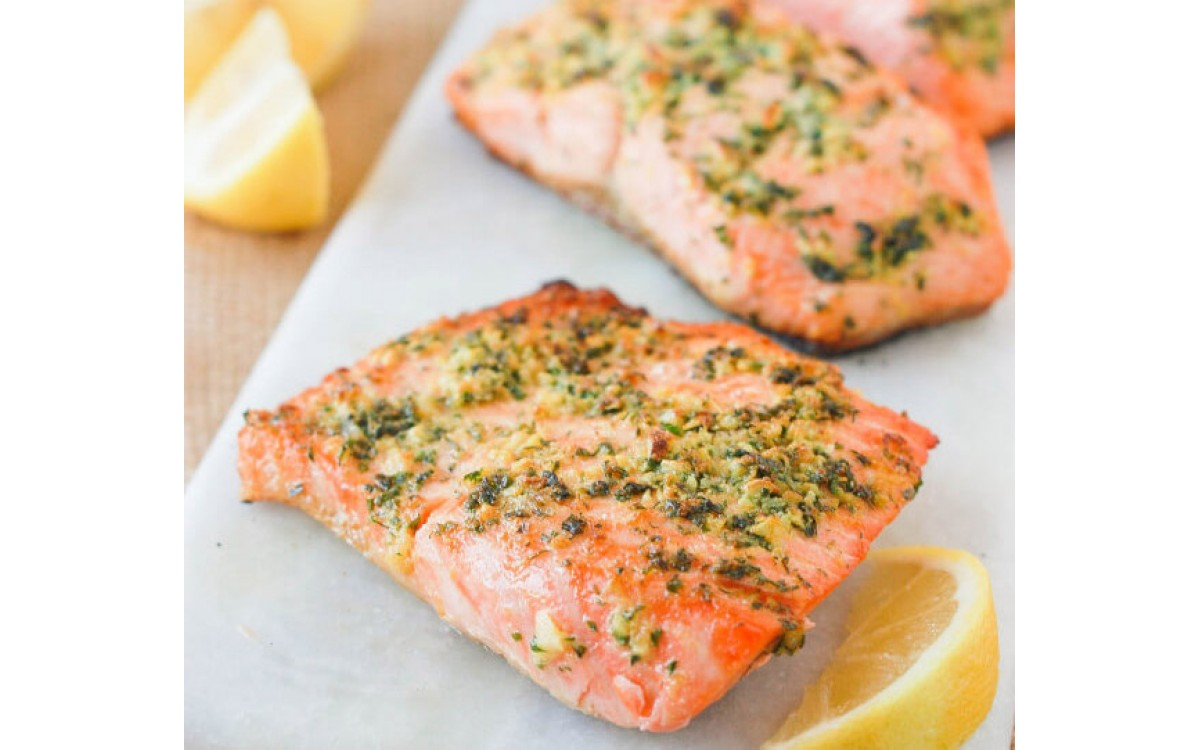 Salmon with crust of vegetables