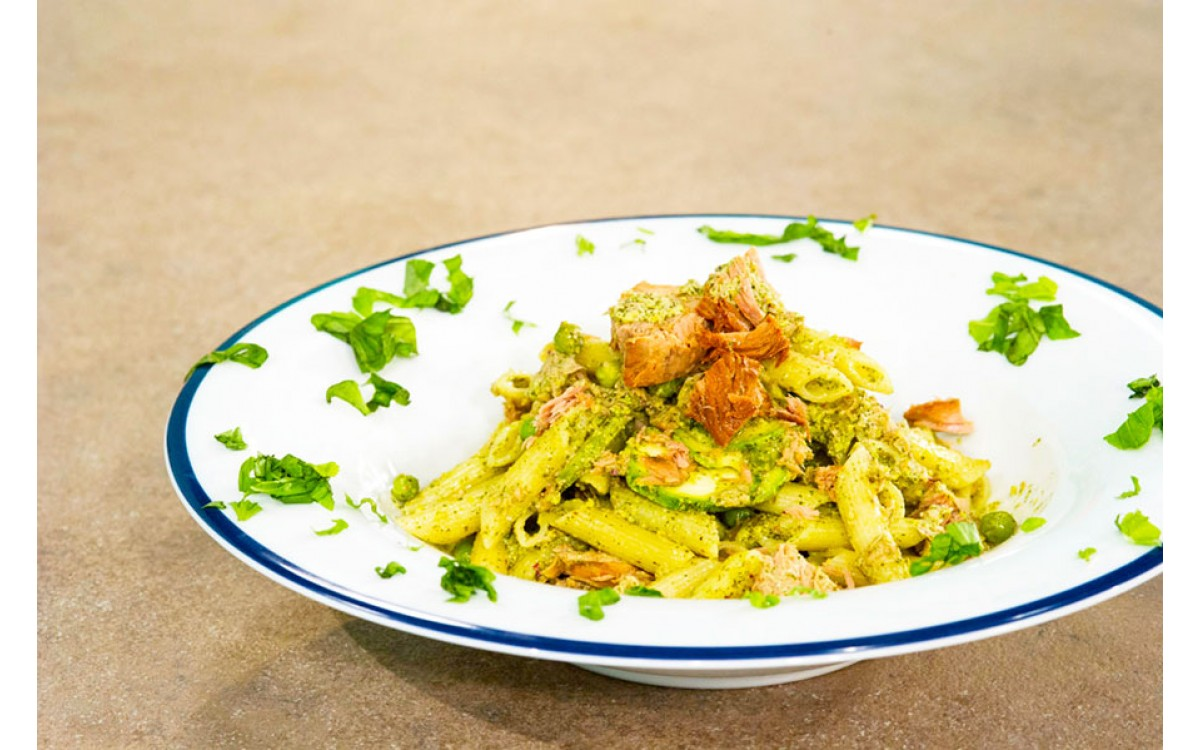 Pasta al pesto with smoked Nealis